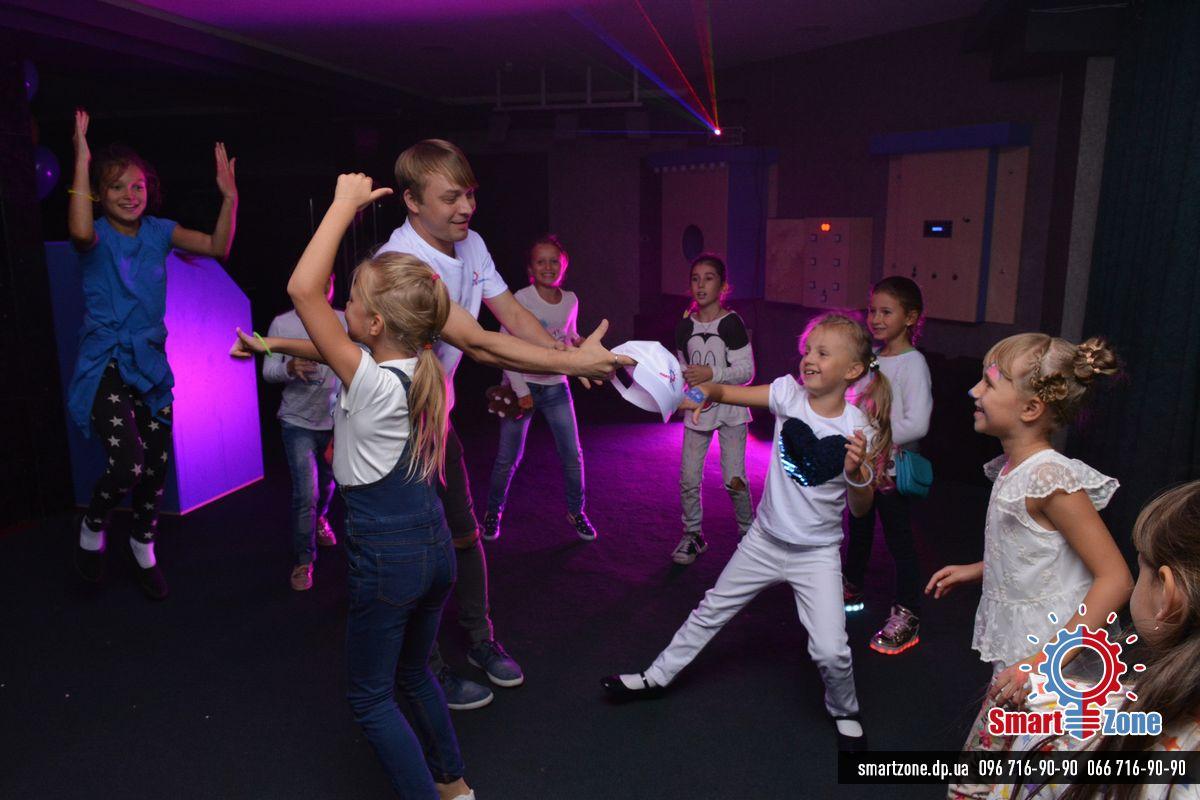 Дискотека, лазер, лазерное шоу, Детский день рождения в SmartZone Днепр